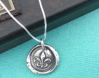 Fleur de Lis Wax Seal Necklace Sterling Silver Box Chain Women's necklace