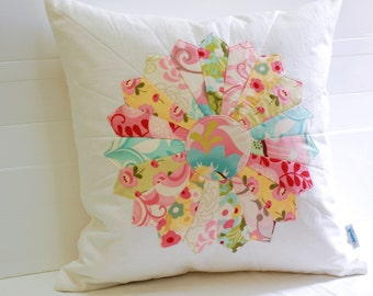 Dresden Plate Pillow Cover, Shabby Chic Pillow Cover, Patchwork Cushion, Quilted Cushion Cover, Quilted Pillow, Fits 18 inch insert_ 18x18
