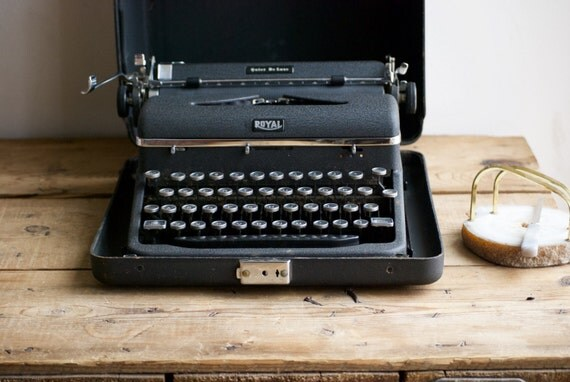 Mine and Hemingway's favourite Typewriter -- The Royal Quiet Deluxe (QDL). Found in mint condition... an absolute pleasure to type on!