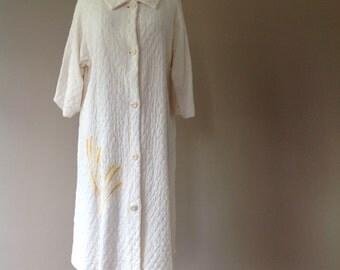 Quilted House Coat Robe / Vintage Sleepwear Loungewear / Corn Motif / Size by LoungeCraft