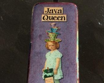 Java Queen Domino Pendant, Altered Domino