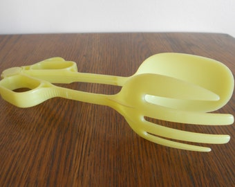 Tupperware Salad Tongs