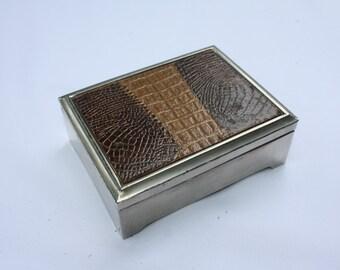 Vintage box with snake fake leather finishing