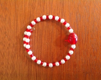 Red and white beaded memory wire bracelet