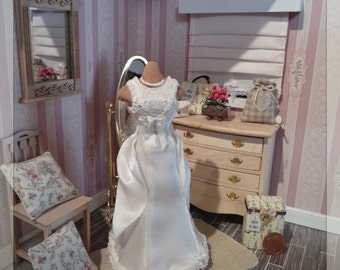 Wedding dress in 1:12 scale