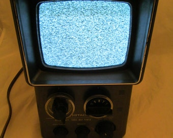 Vintage portable TV Hitachi K-1100 Batteries wall plug Antenna Durable travel
