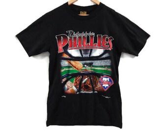 Philadelphia Phillies MLB T-shirt - Medium - Nutmeg Shirts - 1995 - 90s Clothing - Baseball MLB - Medium Mens - Large Womens - Vintage Tees