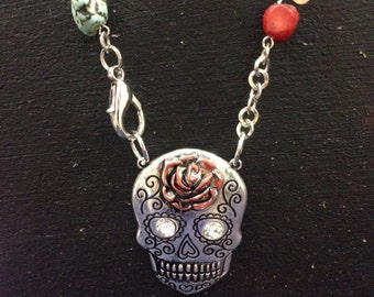 Day of the dead gothic silver tone skull pendant necklace