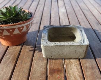 Concrete Square planter Medium