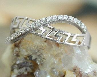 Delicate ring with zirconias, silver 925 / rhodium