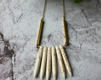 SALES - Phaeton - Howlite stone necklace