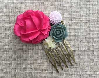 SALE! Vintage/antique-inspired hair comb with pink, grey and ivory flowers.