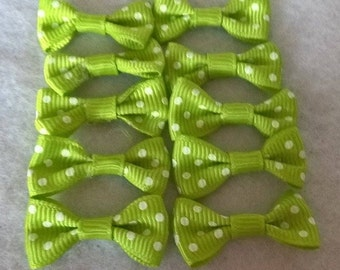 Pack Of 10 Green And White Mini Polka Dot Bows