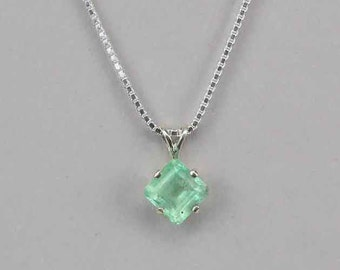 Sterling Silver Natural Colombian Emerald Pendant