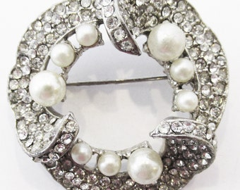 Vintage 1950s Silver Toned Rhinestone and Faux Pearl Circular Pin