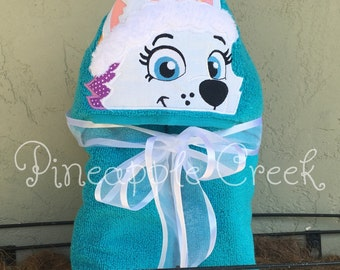 Everest Paw Patrol Hooded Towel NAME INCLUDED