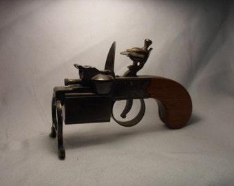 Dunhill Tinder Pistol Table Lighter Circa 1940