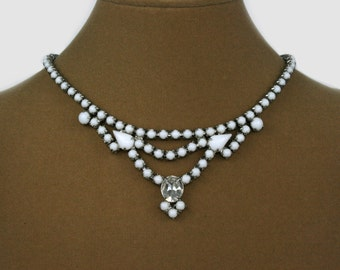 Vintage milk glass necklace white collar necklace