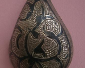 B587) An lovely old antique vintage white metal Asian enamel domed brooch