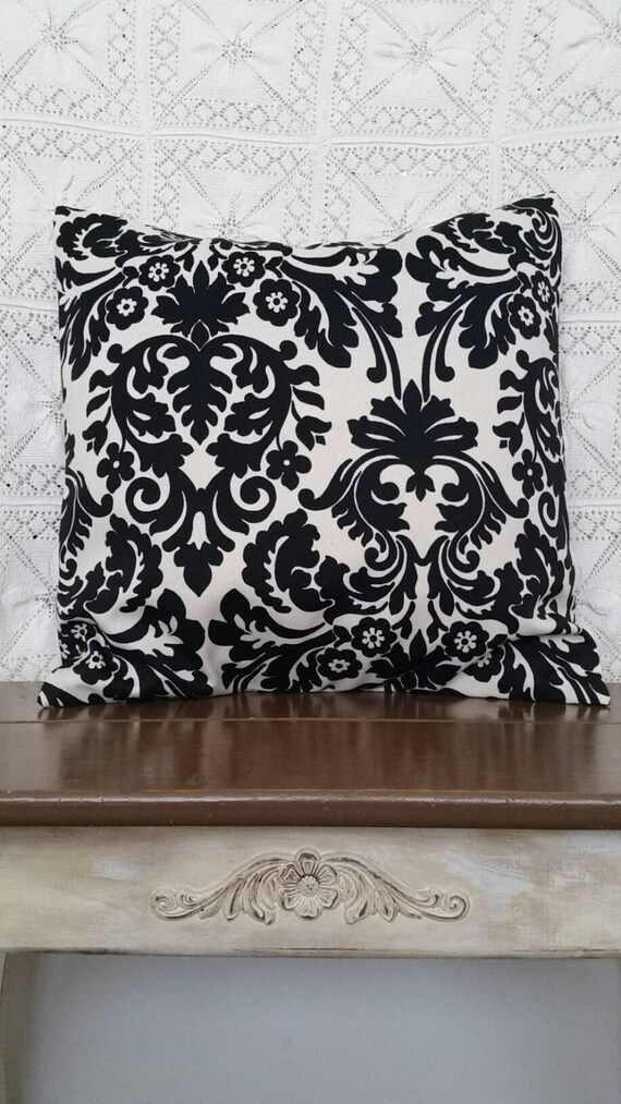 pillow cover black and white back is made of same fabric. Black Bedroom Furniture Sets. Home Design Ideas