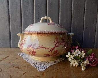 Beautiful antique French tureen, pink Gien ironstone footed bowl, circa late 1800s.