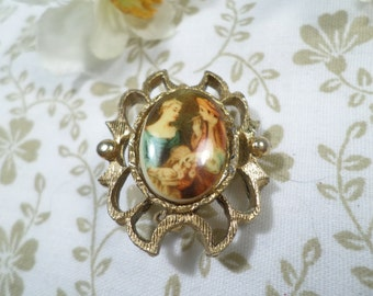 Vintage Gold Tone Cameo Style Porcelain Transfer Brooch DL# 2248