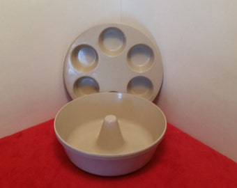 vintage anchor hocking muffin pan and bundt cake set / angle food cake / cupcakes / set of 2
