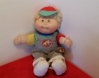 Vintage cabbage patch boy doll, 1990 first edition toddler edition