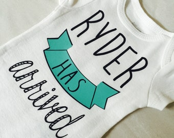 Coming home outfit. Baby announcement Bodysuit. Birth announcement. Baby has arrived. Teal.