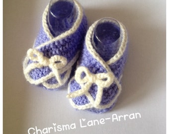 Knitted baby sandals