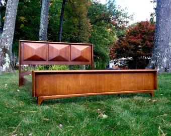 Mid Century United Furniture Diamond Headboard / Bed modern