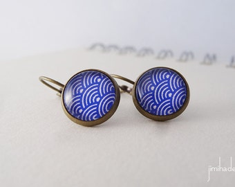 Earrings with blue print Japanese waves pattern >> Valentine's Day present >> gift for her