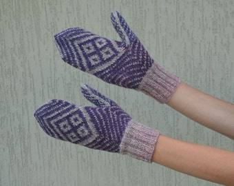 Knitted mittens. Handknitted mittens. Purple gray knit mittens