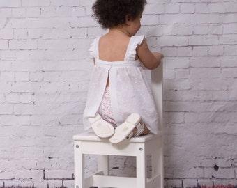 Ensemble haut et bloomer bébé fille en blanc et imprimé fleuri