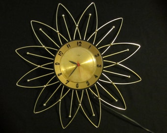 Classic Mid Century Modern Atomic Lux Starburst / Sunburst Clock