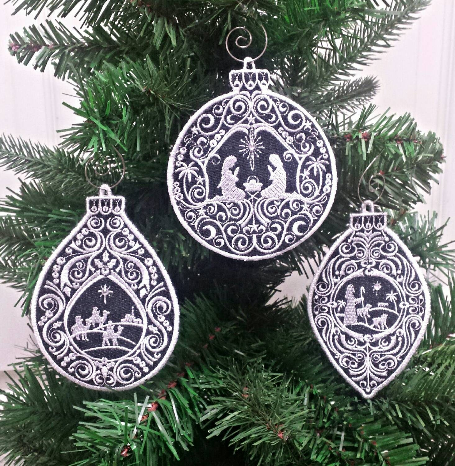 Stand Alone Lace Embroidery Designs : Set of nativity christmas ornament holy family free