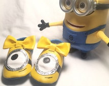 Minion inspired Vegan Leather Baby Bow moccasins Shoes With embroidery name / message / DOB
