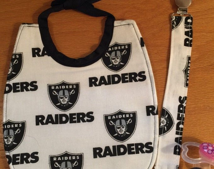 Baby Bib Oakland Raiders and Baby Bib and Matching Pacifier Clip Gift Set