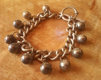Vintage 1940's Silver Bracelet ~  Ball & Chain with Pin in Hoop Closure~  Old Vintage Jewelry !!  FREE Shipping!