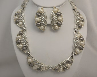 Signed Marboux (Boucher) Cream & Grey Cabochon Demi Necklace, Earring Set