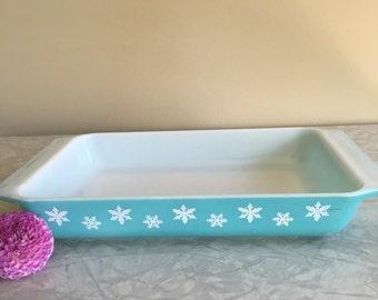 Vintage Pyrex Turquoise snowflake  548-B Spacesaver