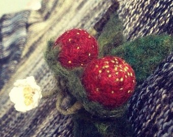 SALE:Discount, strawberry brooch, Needle Felted Fruits,Handmade,beautiful needle felted brooch,red black summer Needle felted Brooch
