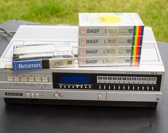 Vintage Sanyo Betamax VCR 4400 - Includes Sealed Blank Beta Tapes - Video Cassette Recorder VCR4400 - 80s 80's 1980's 1980s - Electronics