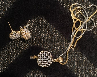 Pendant with chain and earrings in CZ Stone