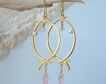 SALE, Gold Rose Quartz Tear Drop Dangle Earrings Brushed Gold Pierced Earrings Faceted Quartz, Vintage Earrings, Retro Dangle, Modern Dangle