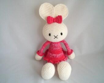 Crochet Bunny Rabbit / Crochet Amigurumi Long Eared Bunny Rabbit / Cute Crochet long eared bunny rabbit soft toy.