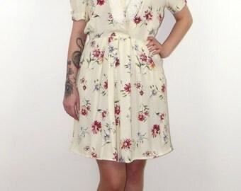 SALE - Vintage 1980s cream floral tea dress, UK size 12/14