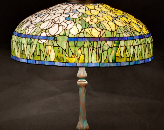 "Featured listing image: 22"" Tulip lamp"
