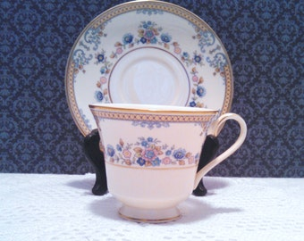 """Vintage Set of 5 Minton """"Avonlea"""" Tea Cups and Saucers, Bone China, Floral with Gold Trim, Circa 1975"""