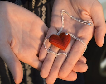 Secret Heart Pendant Necklace (Illusionist Pendant)